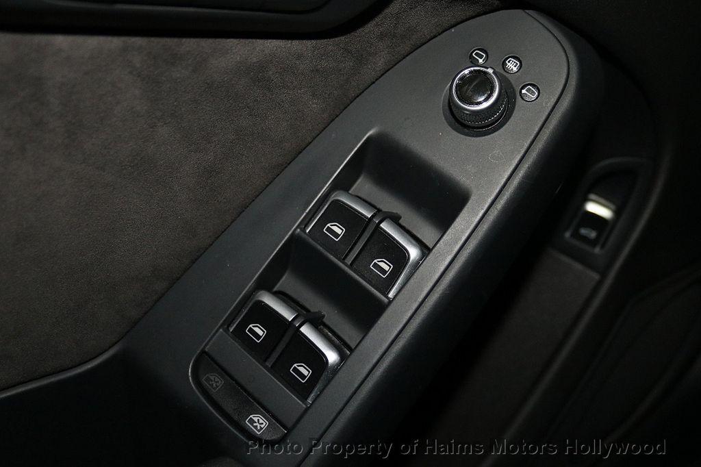 2016 Audi A4 4dr Sedan Automatic quattro 2.0T Premium Plus - 18283244 - 24