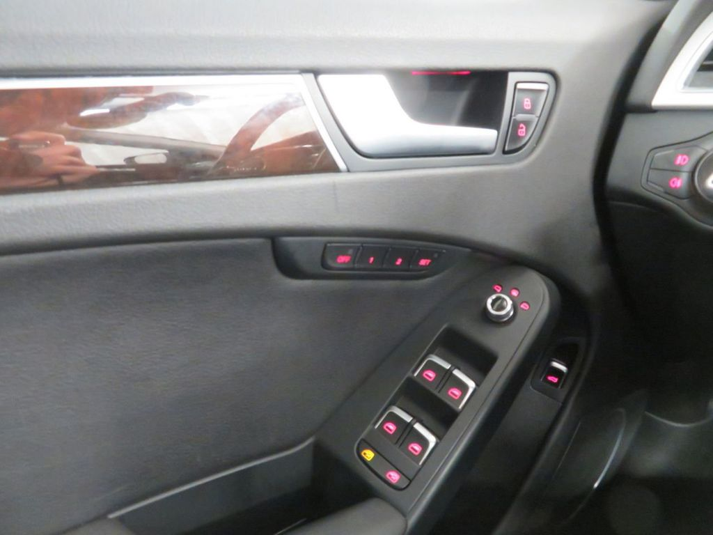 2016 Audi A4 4dr Sedan Automatic quattro 2.0T Premium Plus - 18505621 - 28