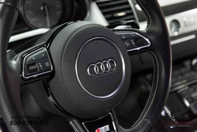2016 Audi S8  - Click to see full-size photo viewer
