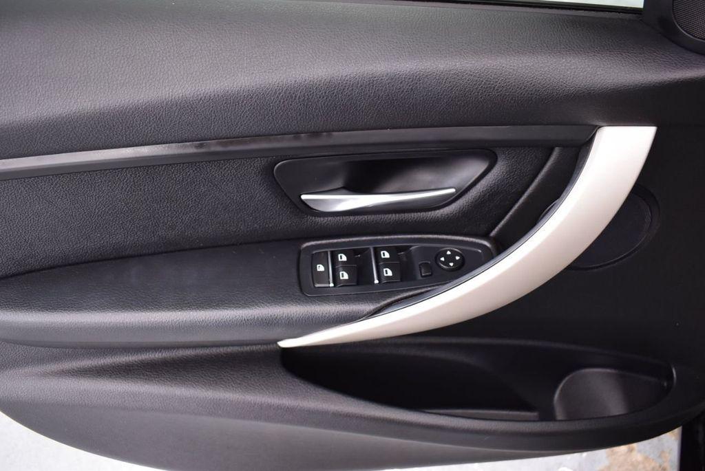 2016 BMW 3 Series 320i - 18359536 - 13