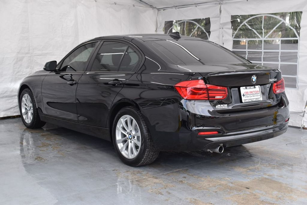 2016 BMW 3 Series 320i - 18359536 - 5