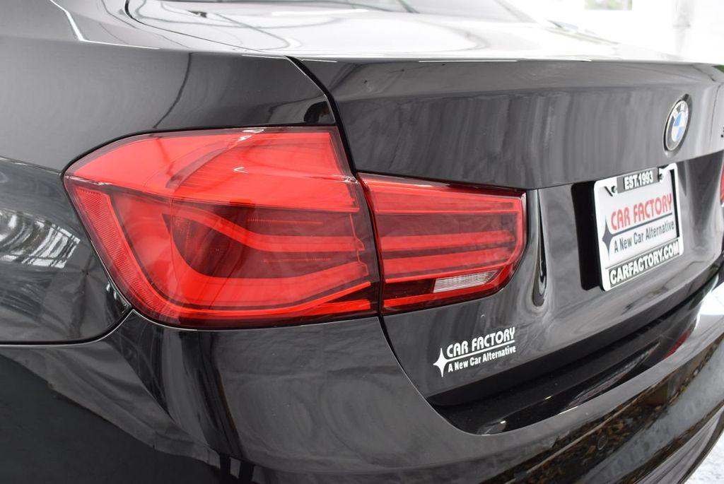 2016 BMW 3 Series 320i - 18359536 - 6