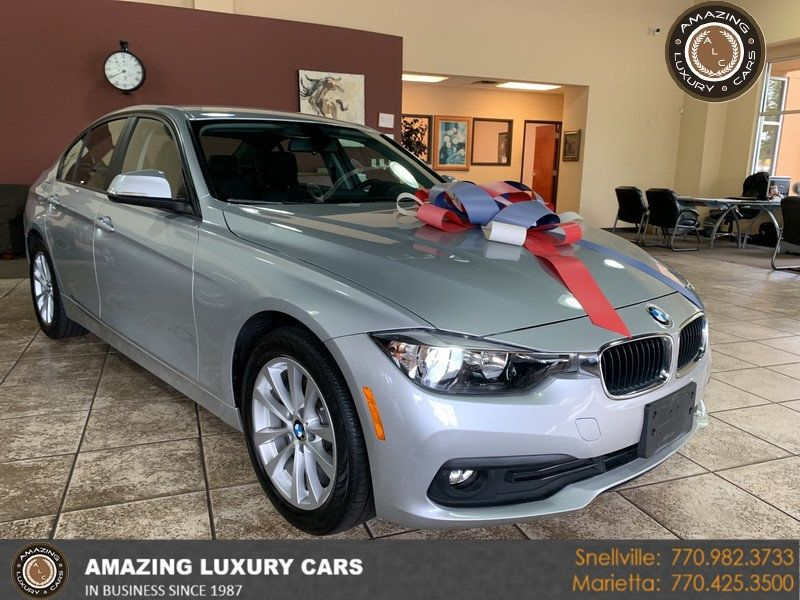 2016 BMW 3 Series 320i xDrive - 19417496 - 0
