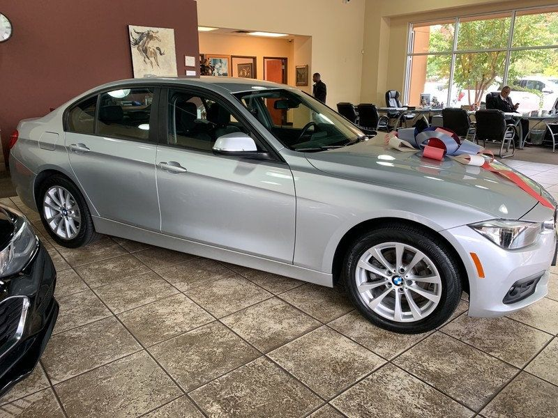 2016 BMW 3 Series 320i xDrive - 19417496 - 11