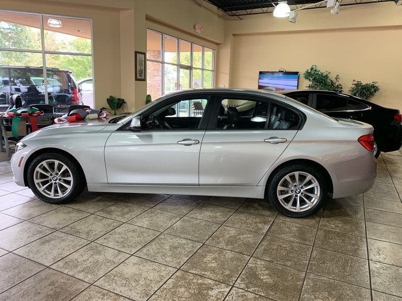 2016 BMW 3 Series 320i xDrive - 19417496 - 5