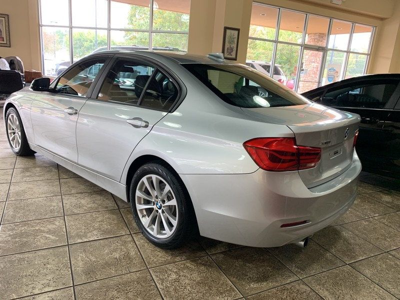 2016 BMW 3 Series 320i xDrive - 19417496 - 6