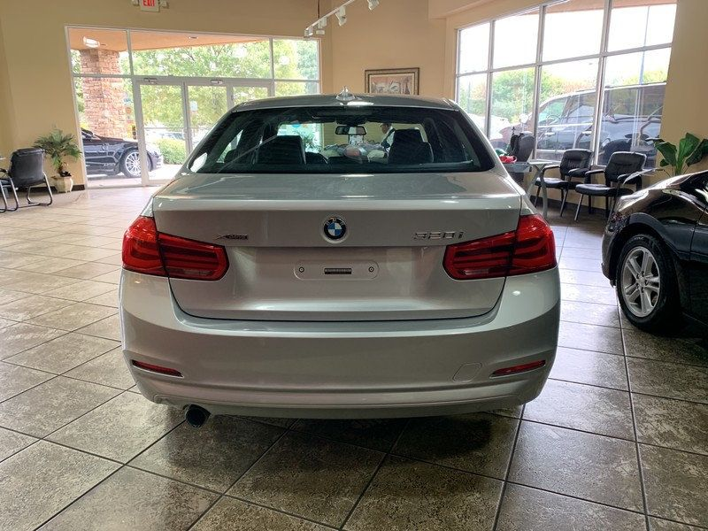 2016 BMW 3 Series 320i xDrive - 19417496 - 8