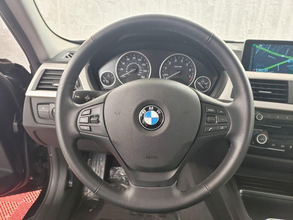 2016 BMW 3 Series 320i xDrive - 18253643 - 18