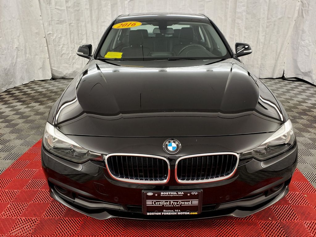 2016 BMW 3 Series 320i xDrive - 18253643 - 1