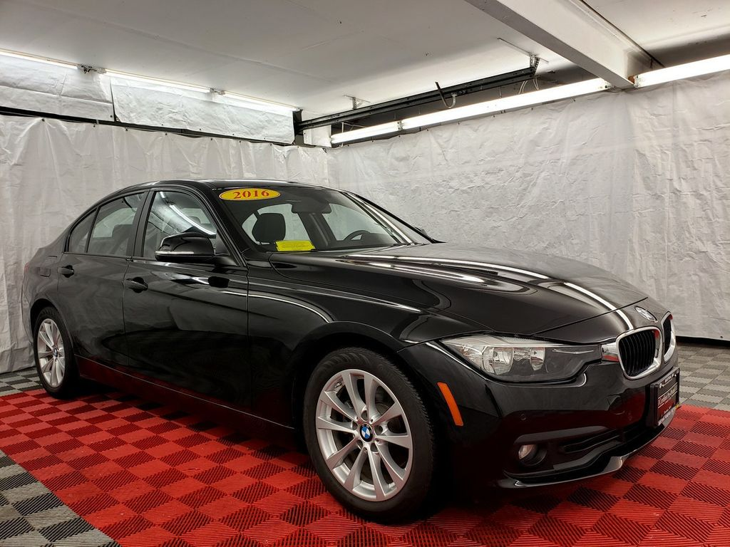 2016 BMW 3 Series 320i xDrive - 18253643 - 2