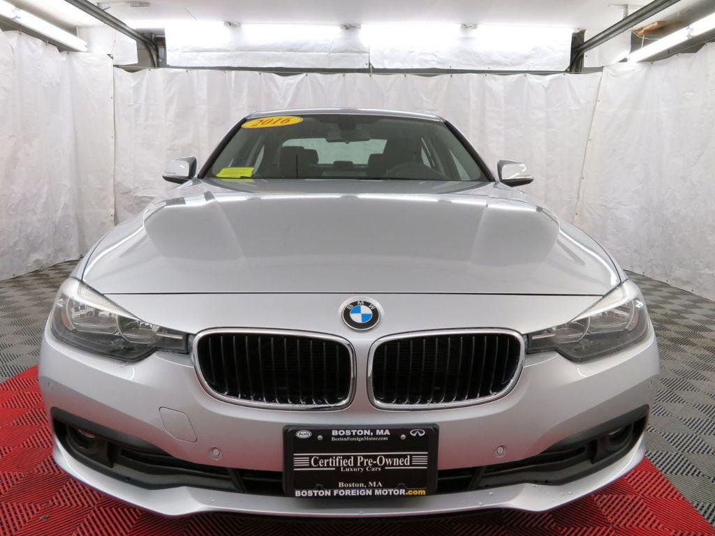 2016 BMW 3 Series 320i xDrive - 18477876 - 1