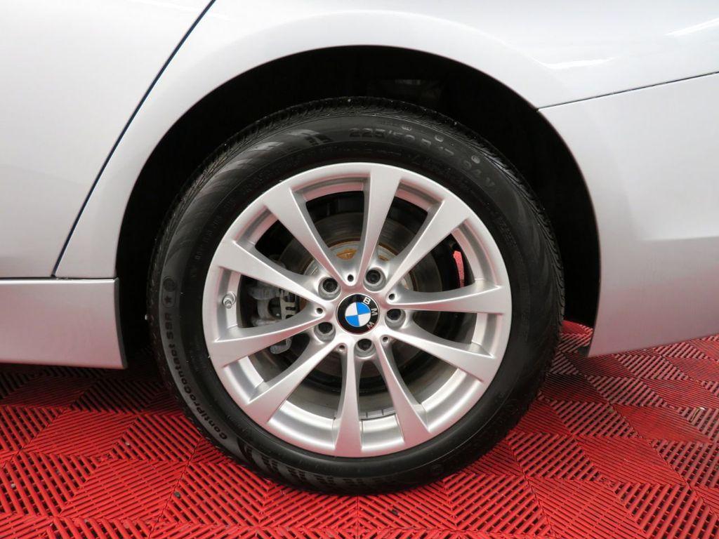 2016 BMW 3 Series 320i xDrive - 18477876 - 33
