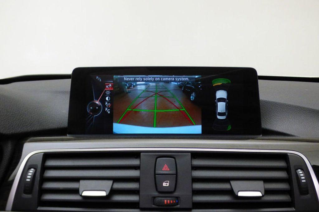 2016 BMW 3 Series 328i xDrive - 17430345 - 22