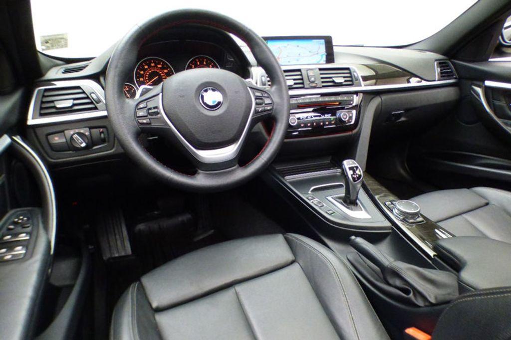 2016 BMW 3 Series 328i xDrive - 17430345 - 25