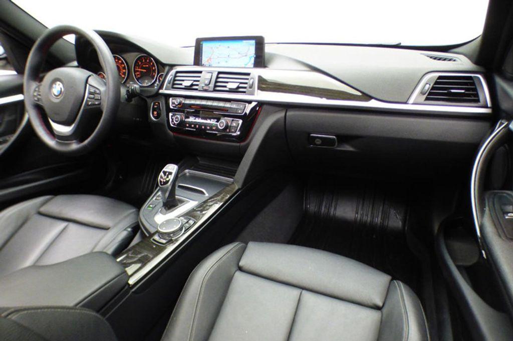 2016 BMW 3 Series 328i xDrive - 17430345 - 26