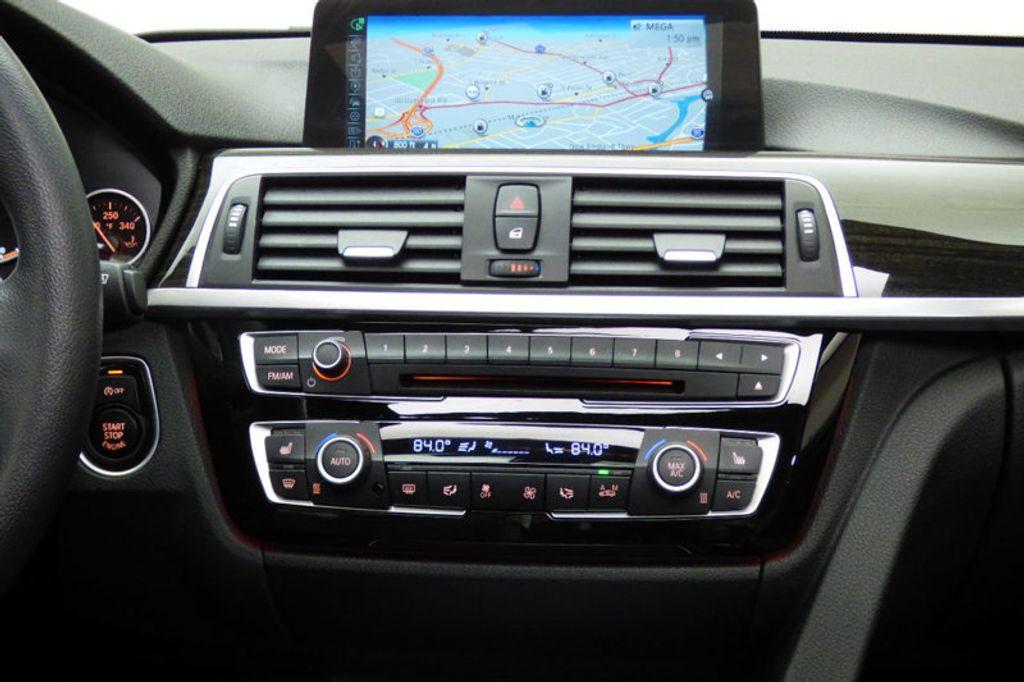 2016 BMW 3 Series 328i xDrive - 17430345 - 29
