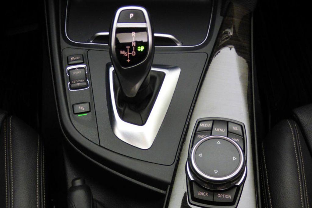 2016 BMW 3 Series 328i xDrive - 17430345 - 30