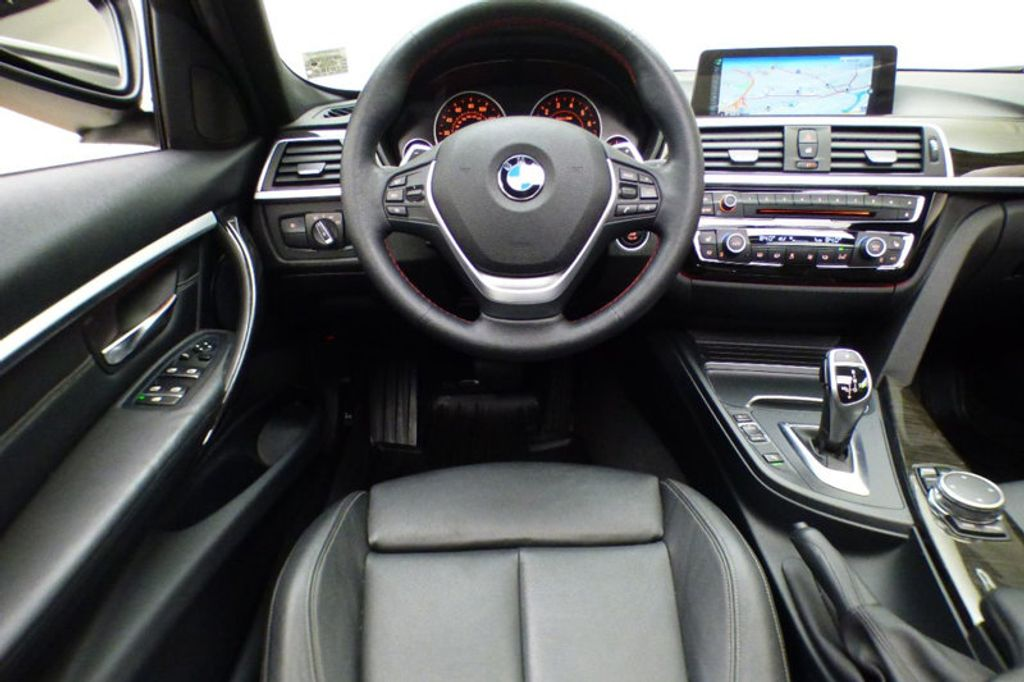 2016 BMW 3 Series 328i xDrive - 17430345 - 31