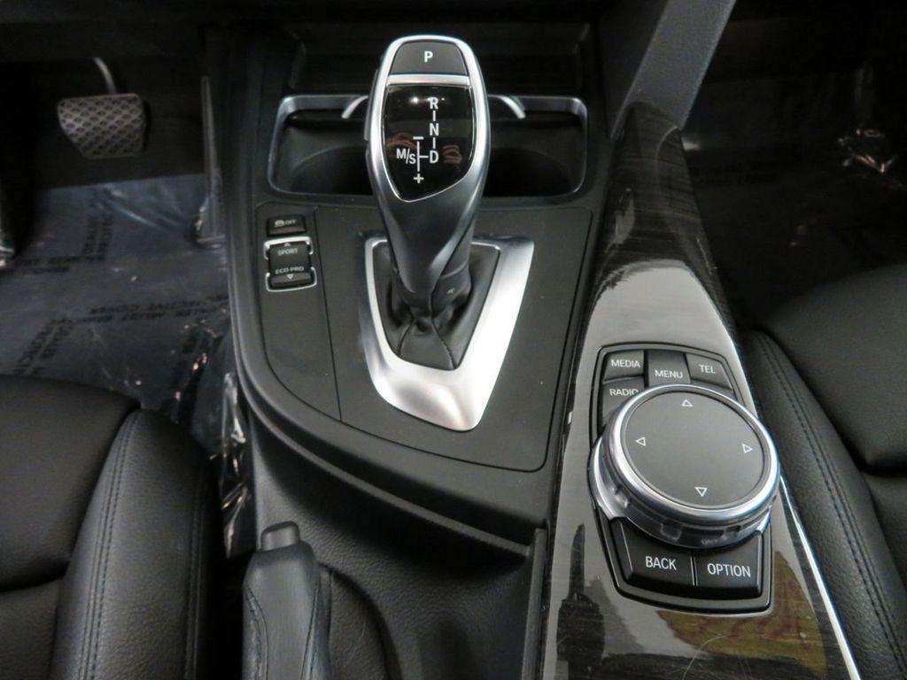 2016 BMW 3 Series 328i xDrive - 18386669 - 10