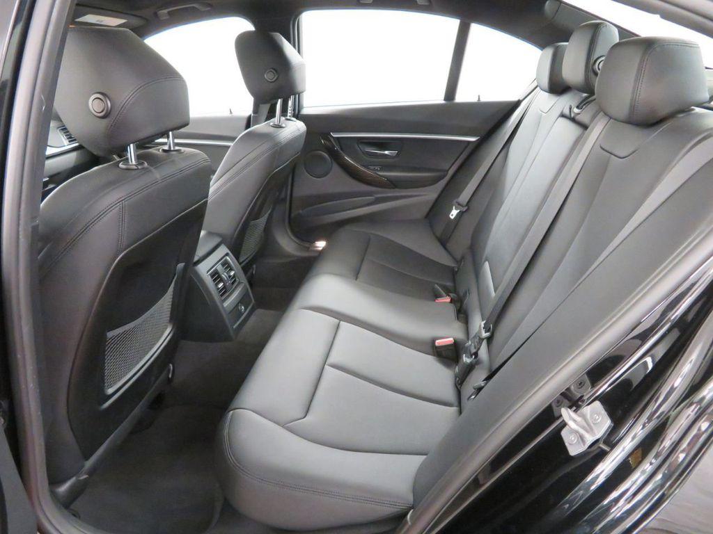 2016 BMW 3 Series 328i xDrive - 18386669 - 14