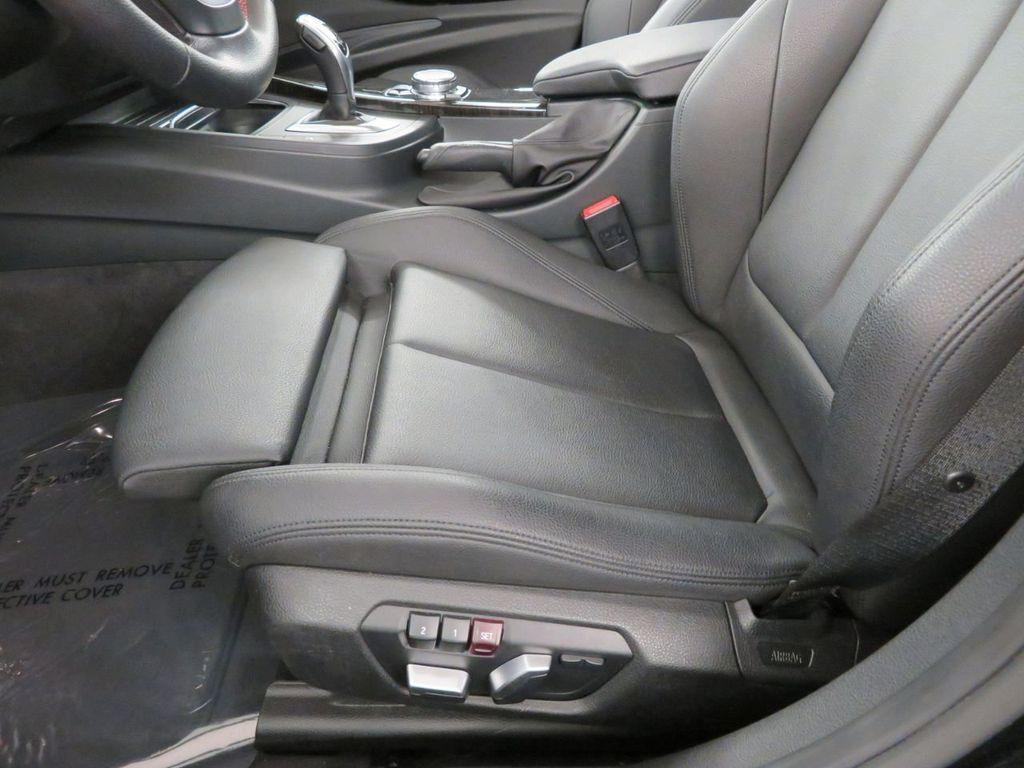 2016 BMW 3 Series 328i xDrive - 18386669 - 16
