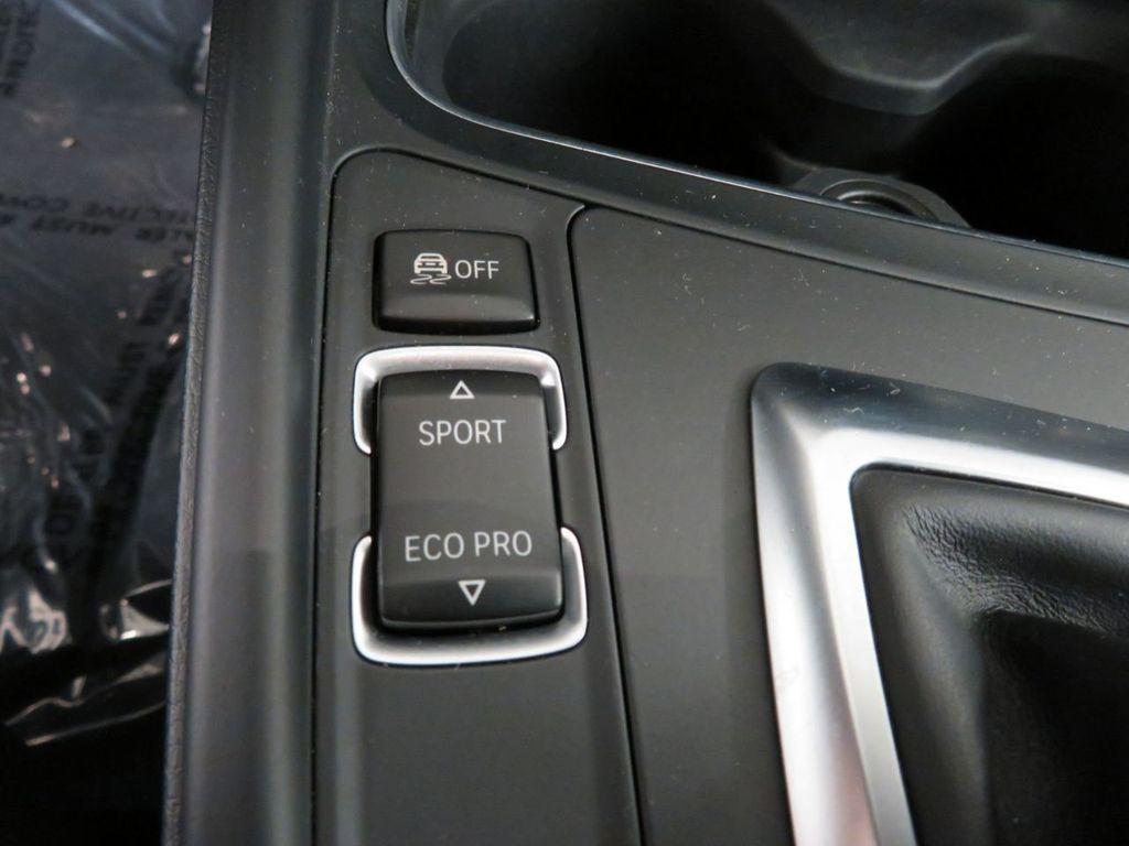 2016 BMW 3 Series 328i xDrive - 18386669 - 17