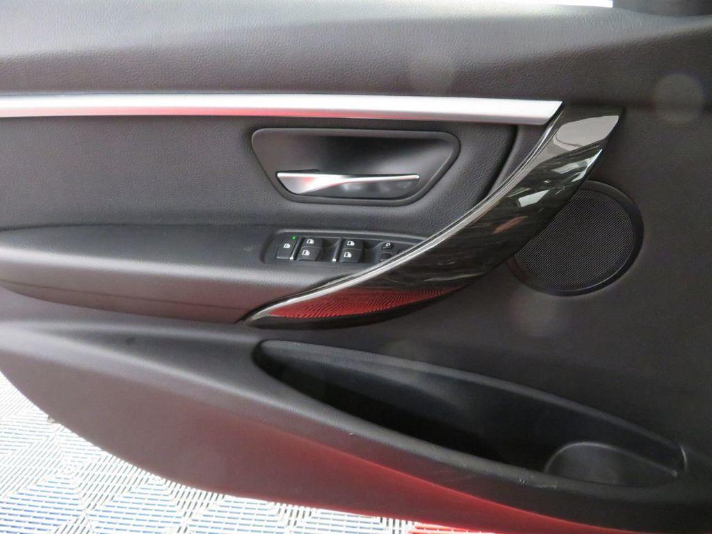 2016 BMW 3 Series 328i xDrive - 18386669 - 19