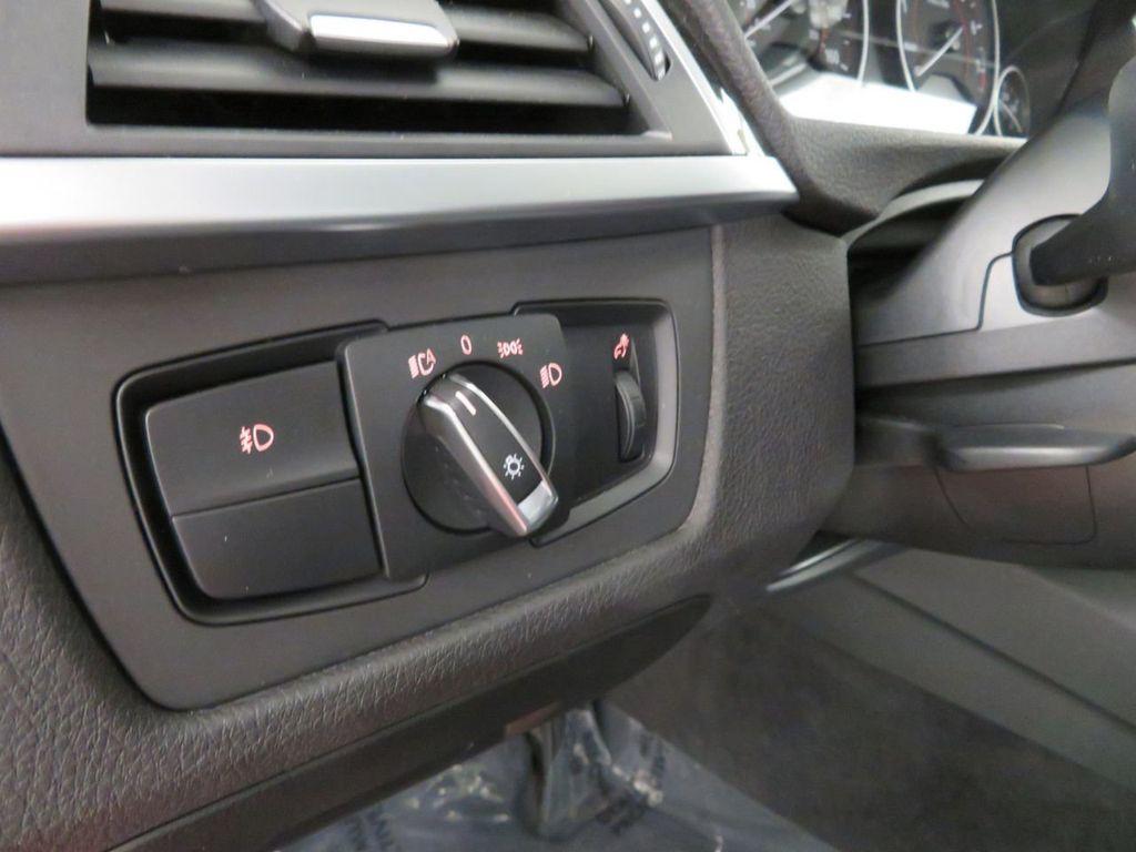 2016 BMW 3 Series 328i xDrive - 18386669 - 29