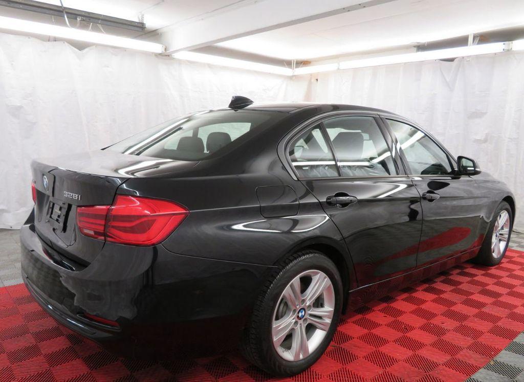 2016 BMW 3 Series 328i xDrive - 18386669 - 3