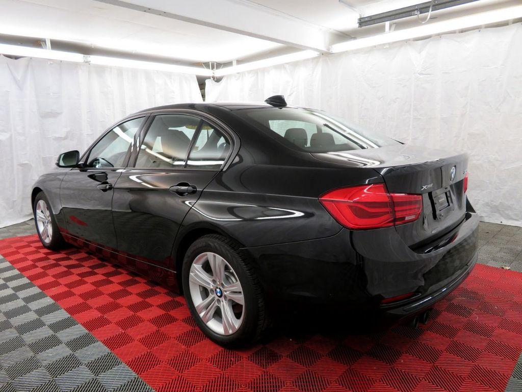 2016 BMW 3 Series 328i xDrive - 18386669 - 4