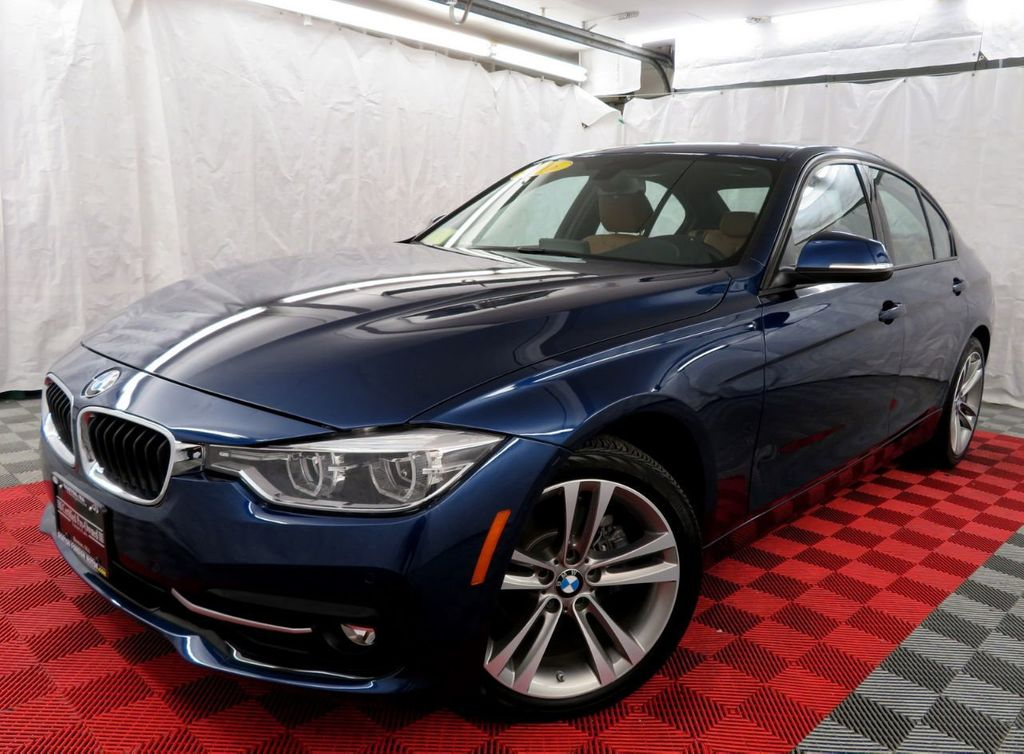 2016 BMW 3 Series 328i xDrive - 18477875 - 1
