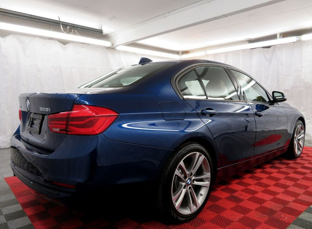 2016 BMW 3 Series 328i xDrive - 18477875 - 4