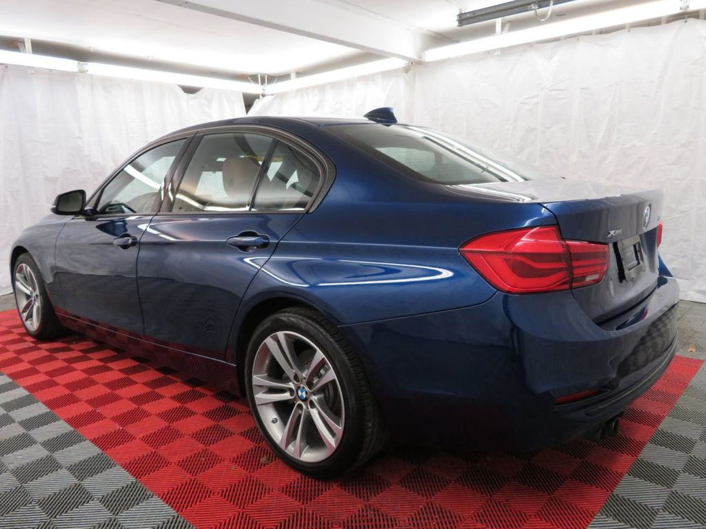 2016 BMW 3 Series 328i xDrive - 18477875 - 5