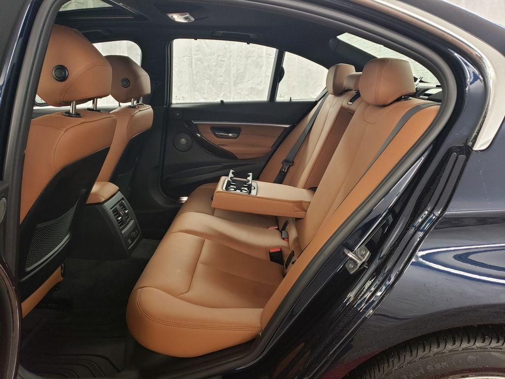 2016 BMW 3 Series 340i xDrive - 18253645 - 9