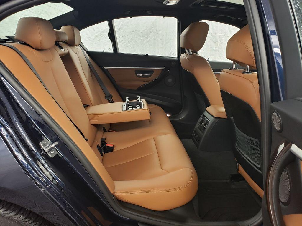 2016 BMW 3 Series 340i xDrive - 18253645 - 10