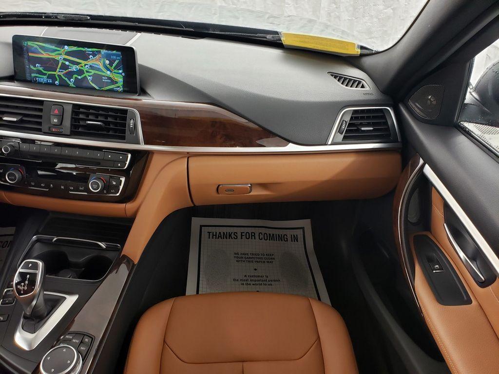 2016 BMW 3 Series 340i xDrive - 18253645 - 12
