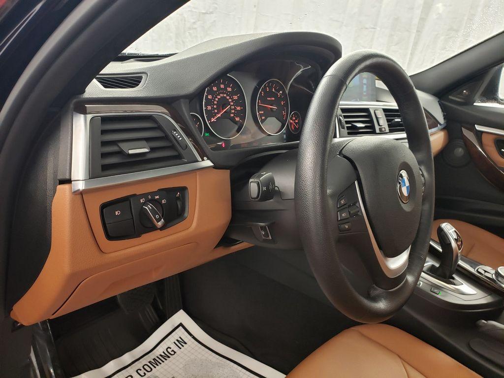 2016 BMW 3 Series 340i xDrive - 18253645 - 16