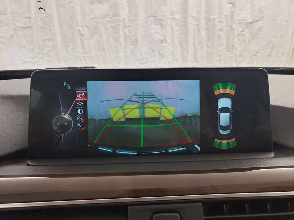 2016 BMW 3 Series 340i xDrive - 18253645 - 23