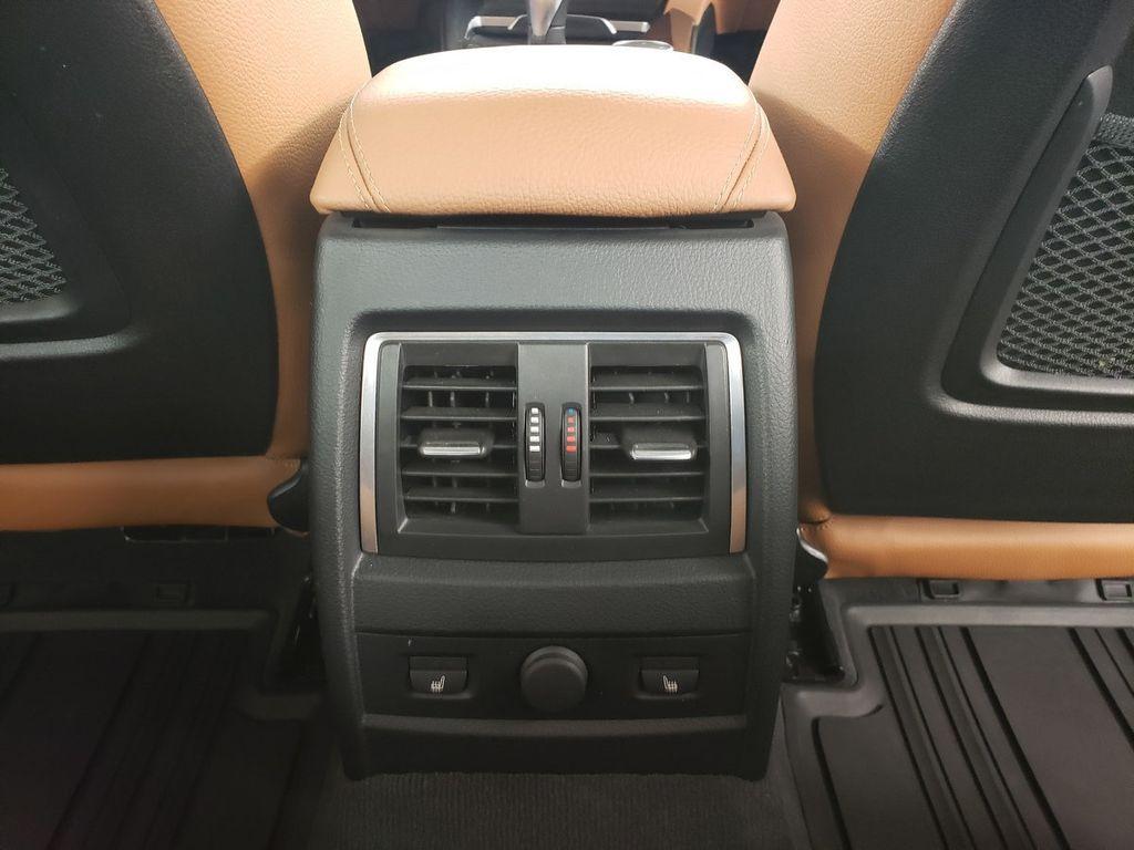 2016 BMW 3 Series 340i xDrive - 18253645 - 29