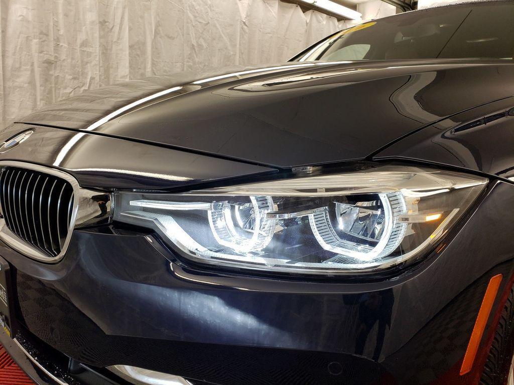 2016 BMW 3 Series 340i xDrive - 18253645 - 32