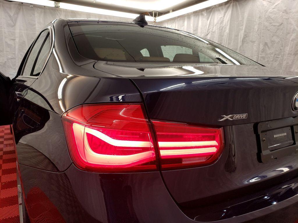 2016 BMW 3 Series 340i xDrive - 18253645 - 33