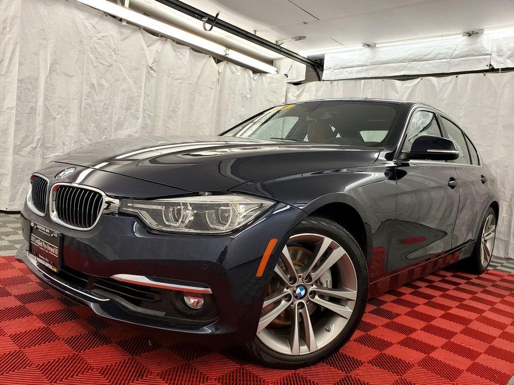 2016 BMW 3 Series 340i xDrive - 18253645 - 35