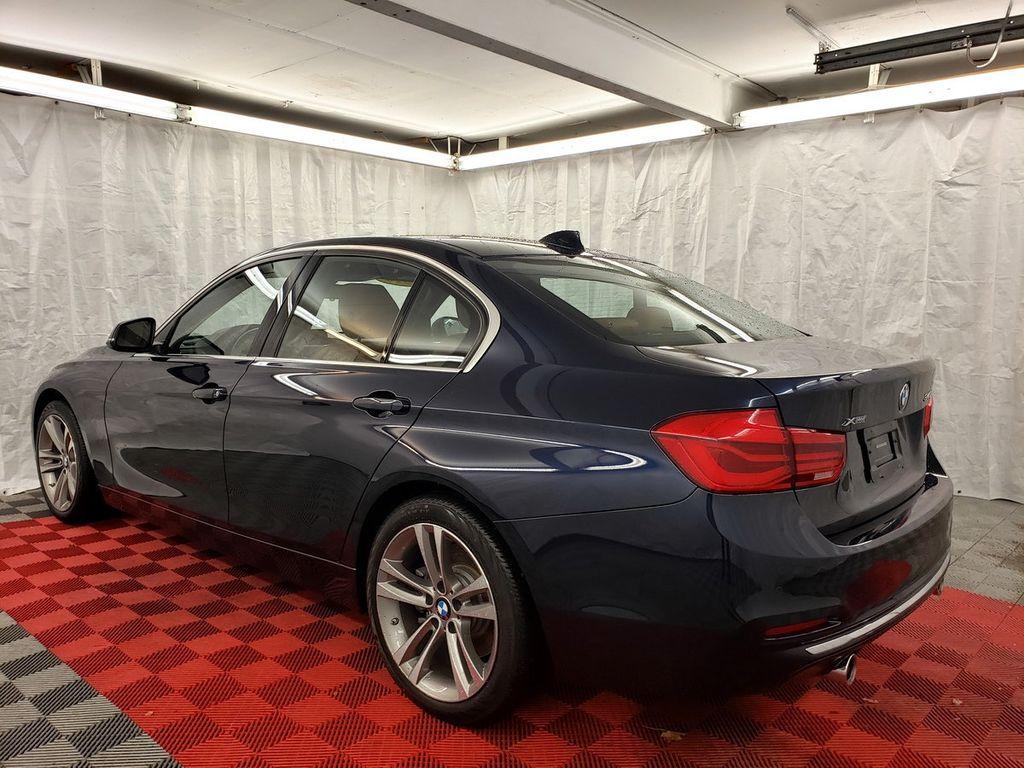 2016 BMW 3 Series 340i xDrive - 18253645 - 3
