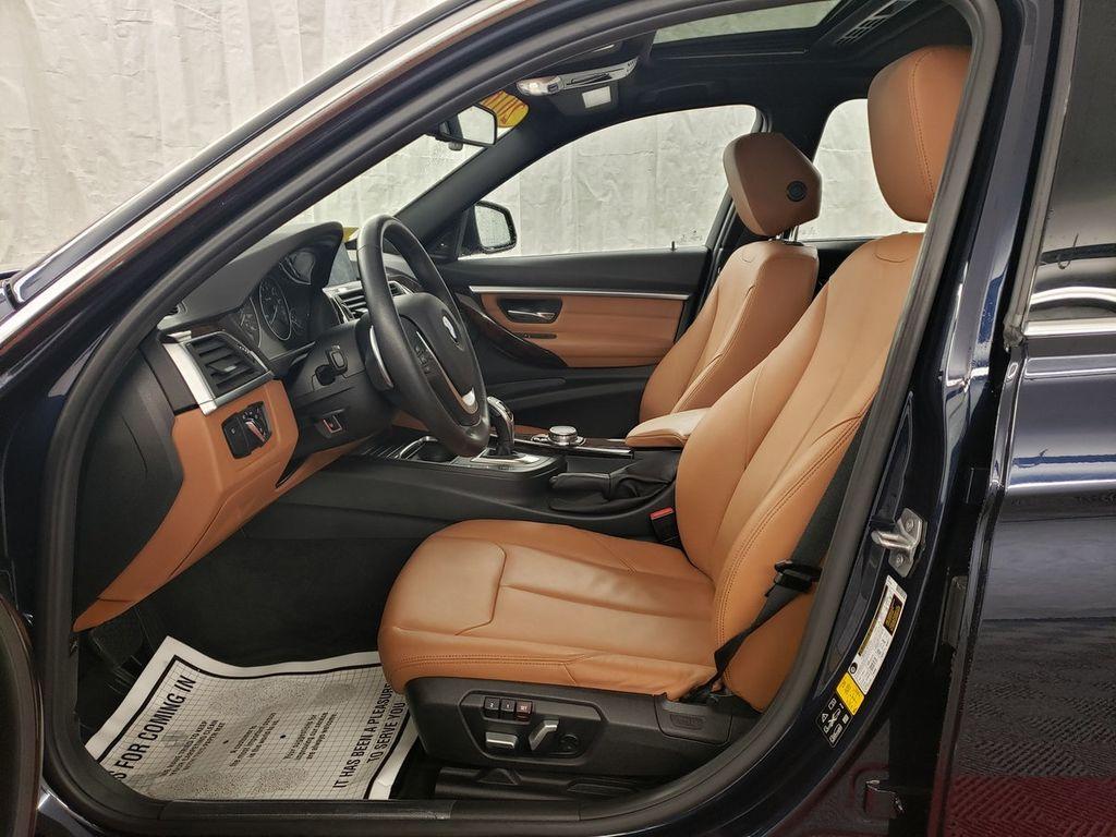 2016 BMW 3 Series 340i xDrive - 18253645 - 7