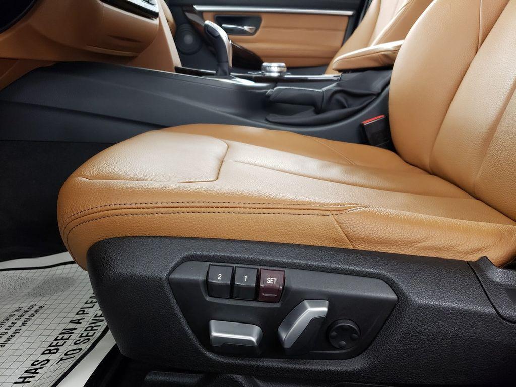 2016 BMW 3 Series 340i xDrive - 18253645 - 8