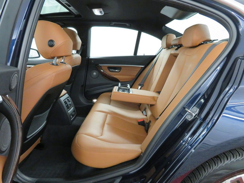 2016 BMW 3 Series 340i xDrive - 18496689 - 9