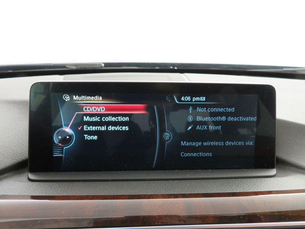 2016 BMW 3 Series 340i xDrive - 18496689 - 26