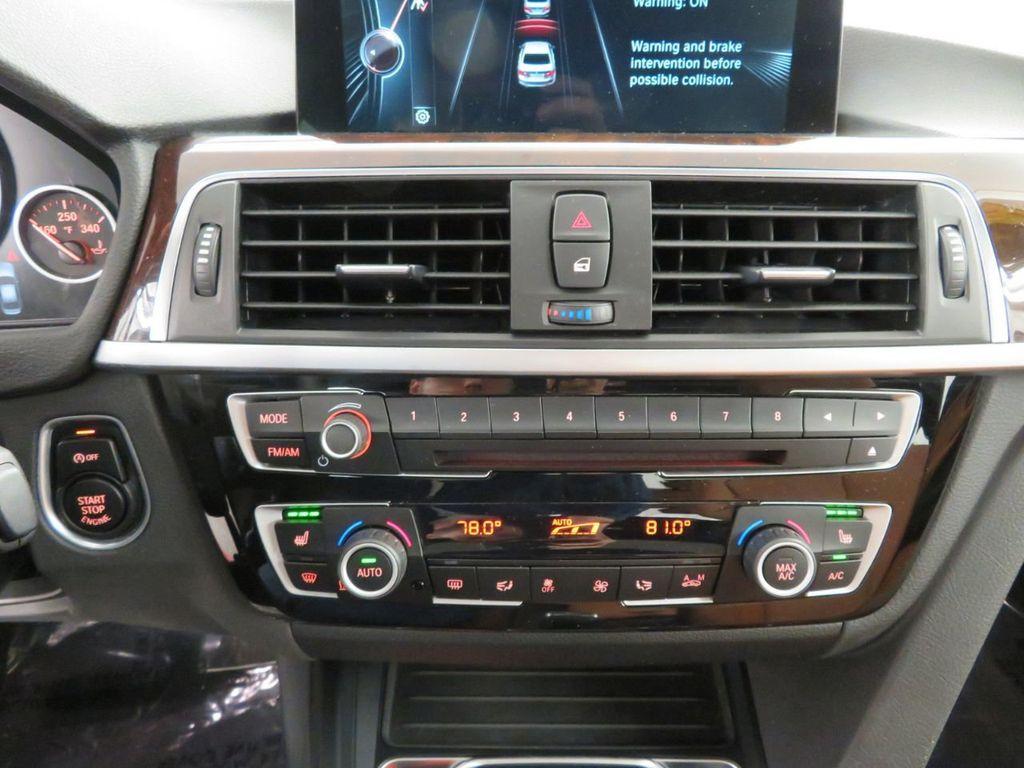 2016 BMW 3 Series 340i xDrive - 18496689 - 31