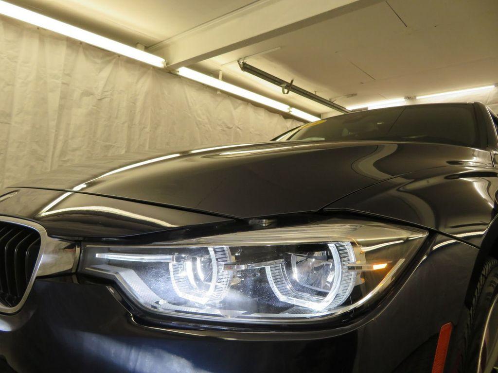 2016 BMW 3 Series 340i xDrive - 18496689 - 36
