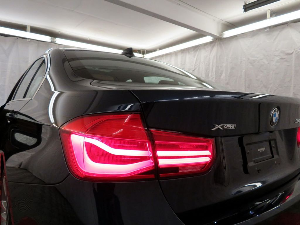 2016 BMW 3 Series 340i xDrive - 18496689 - 37